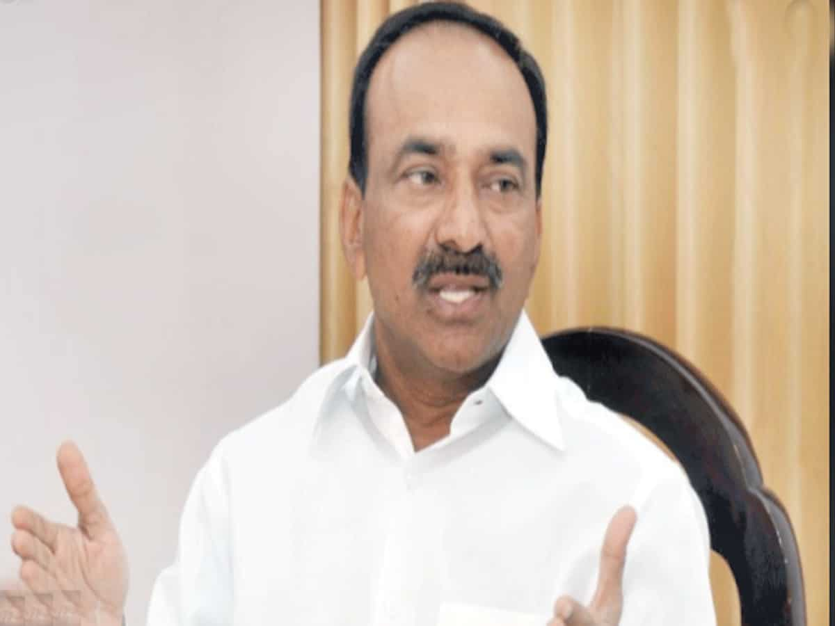 Complete pending hospital buildings' works on war footing: TS Health Minister