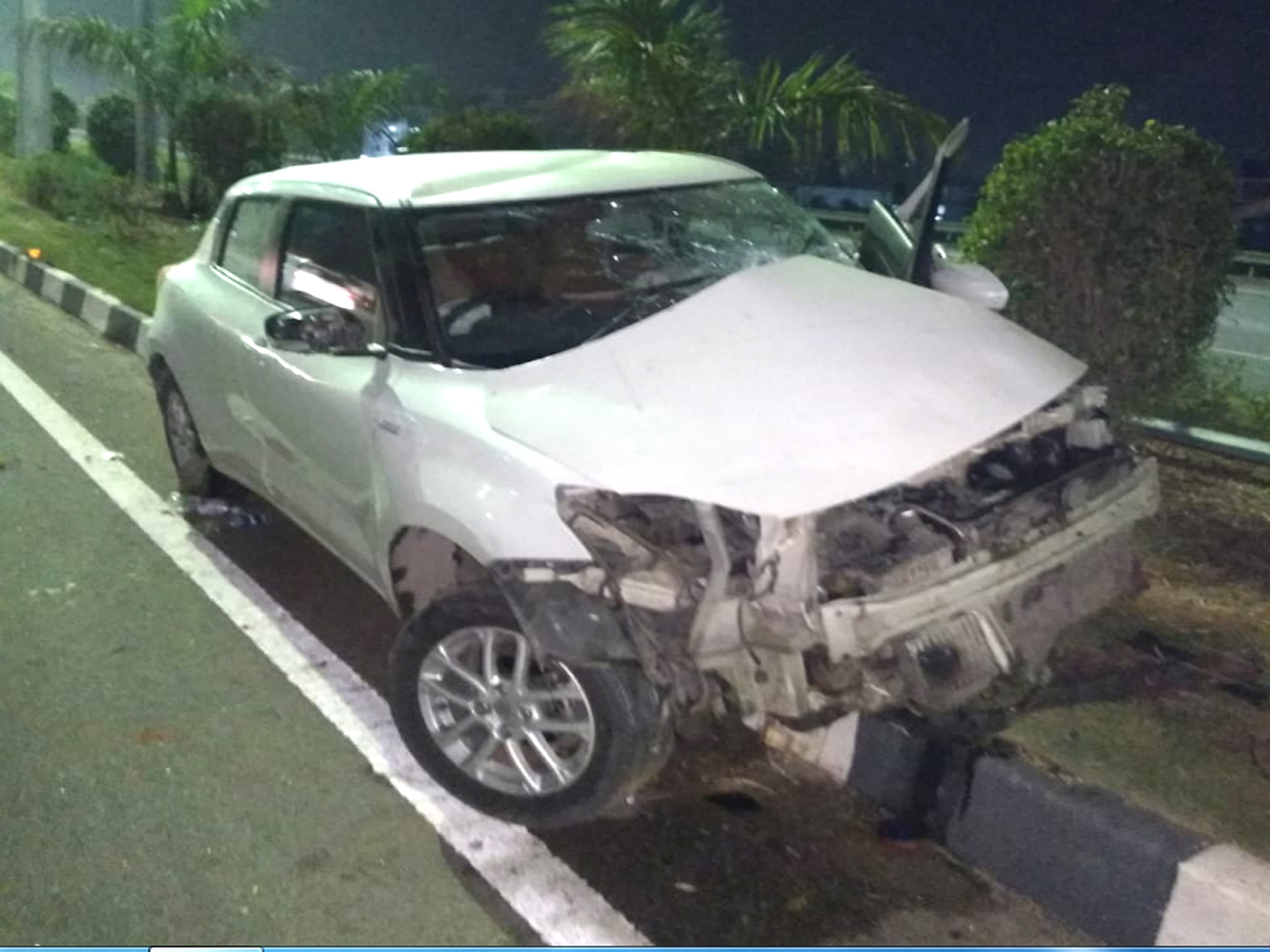 Six injured at ORR after car crashes into road median