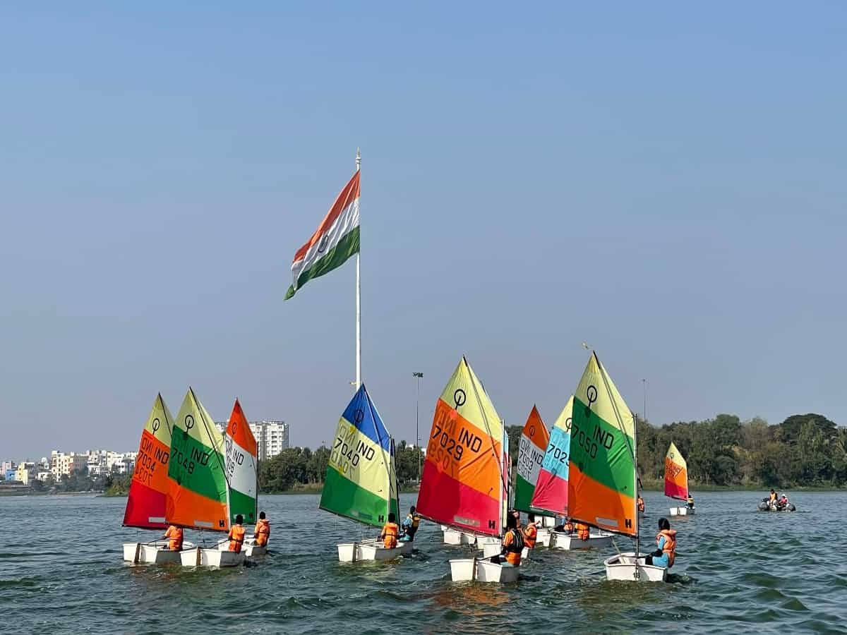 Hyderabad: Republic day regatta 2021 begins at Hussain Sagar