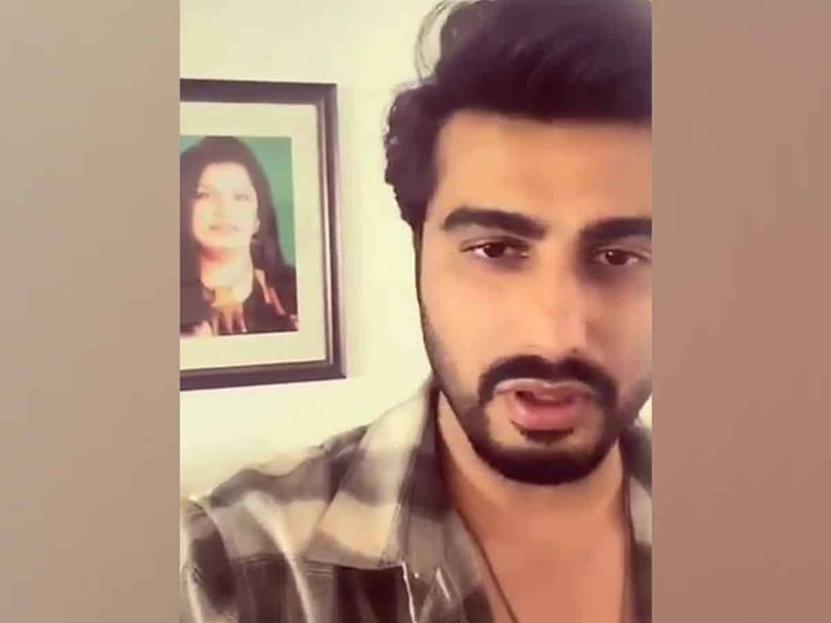 Arjun Kapoor's emotional message on mom's birthday: 'Tell people you love that you love them'