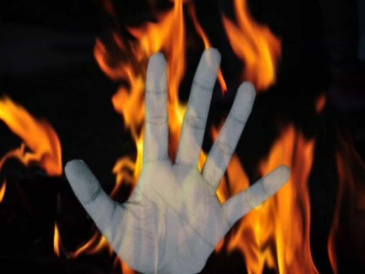 Hyderabad: 28-year-old set ablaze in Jillelaguda