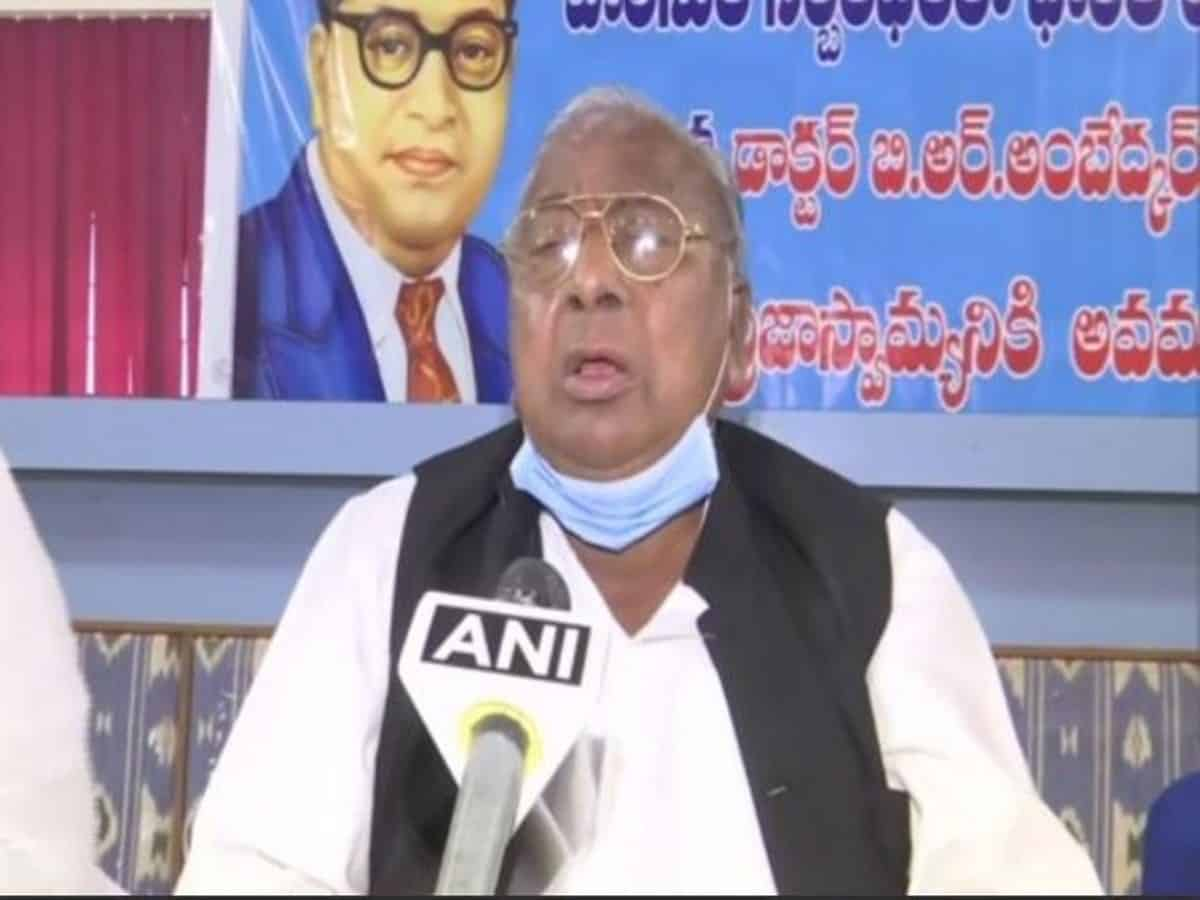 Hanumantha Rao demands action against TRS MLA for 'insulting' weaker sections