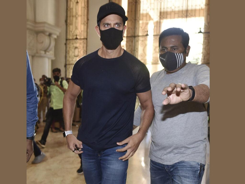 'My silly ex..' Kangana reacts as Mumbai police summon Hrithik to record statement