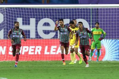 ISL: ATKMB avoid shock defeat against 10-man Hyderabad, draw 2-2