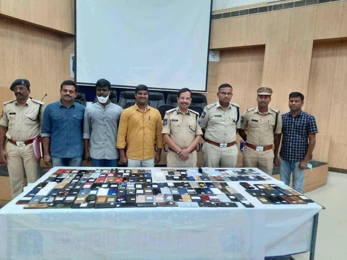 Cyberabad cops recover 200 phones, hand them over to actual owners