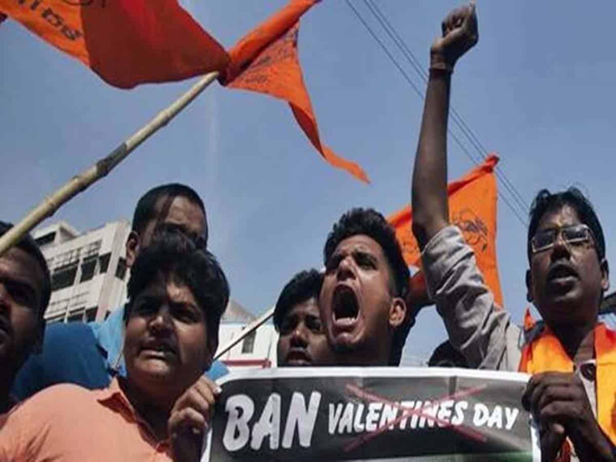 Ban Valentine's Day celebrations Bajrangdal
