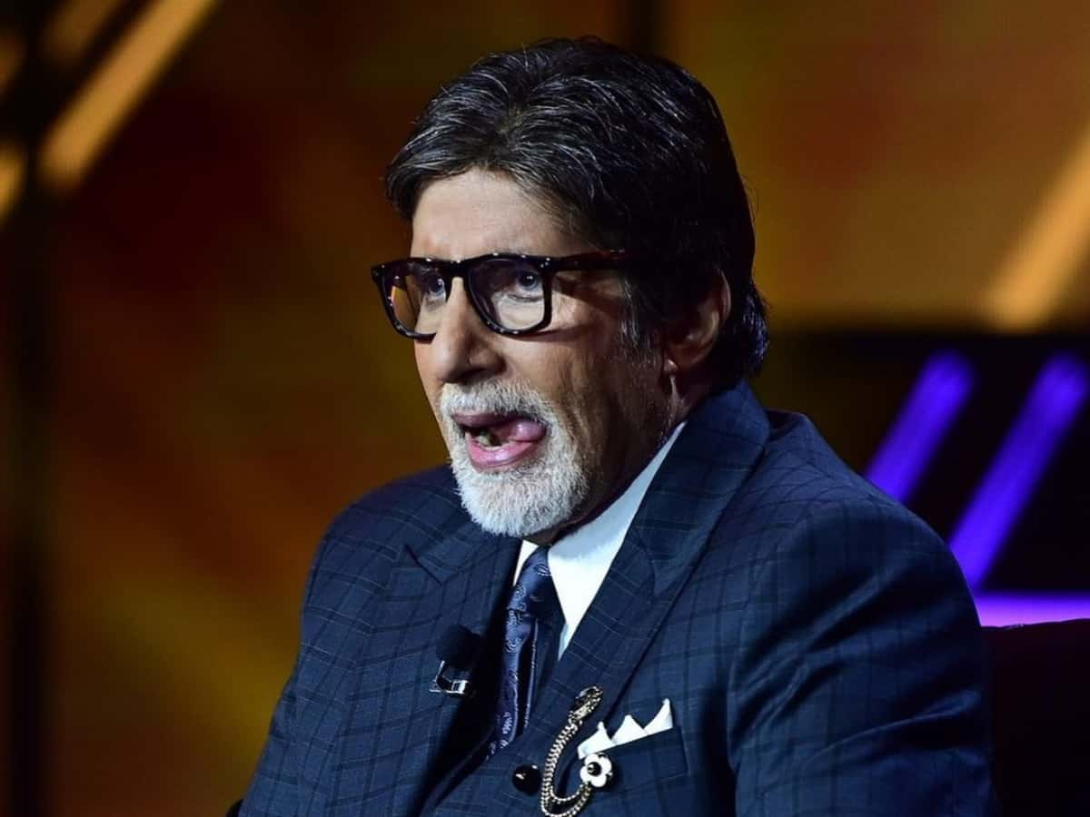 Amitabh Bachchan's 'Jhund' to release in June