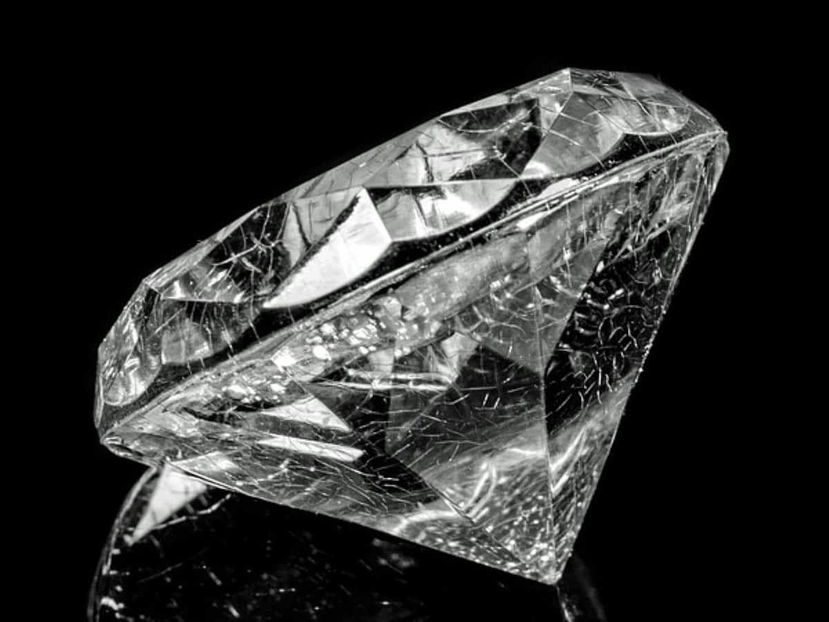 Golconda's rare 3.05 carat diamond may fetch over US $1,50,000 in USA auction