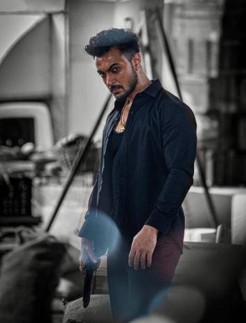 Makers of 'Antim'starring Salman Khan, drop Aayush Sharma's first look as 'Rahuliya'