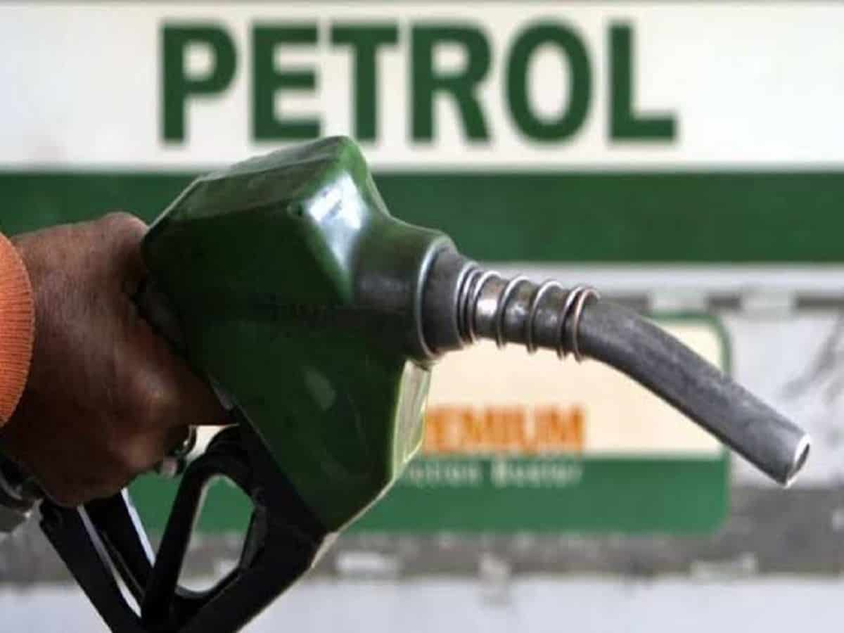 Petrol price may breach Rs. 100 mark in Hyderabad