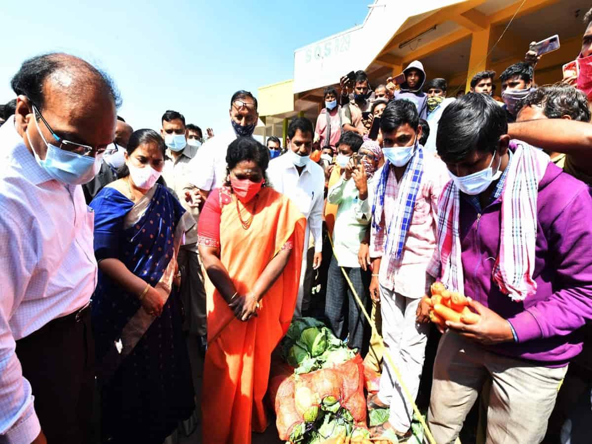 Telangana Governor visits market praised by PM