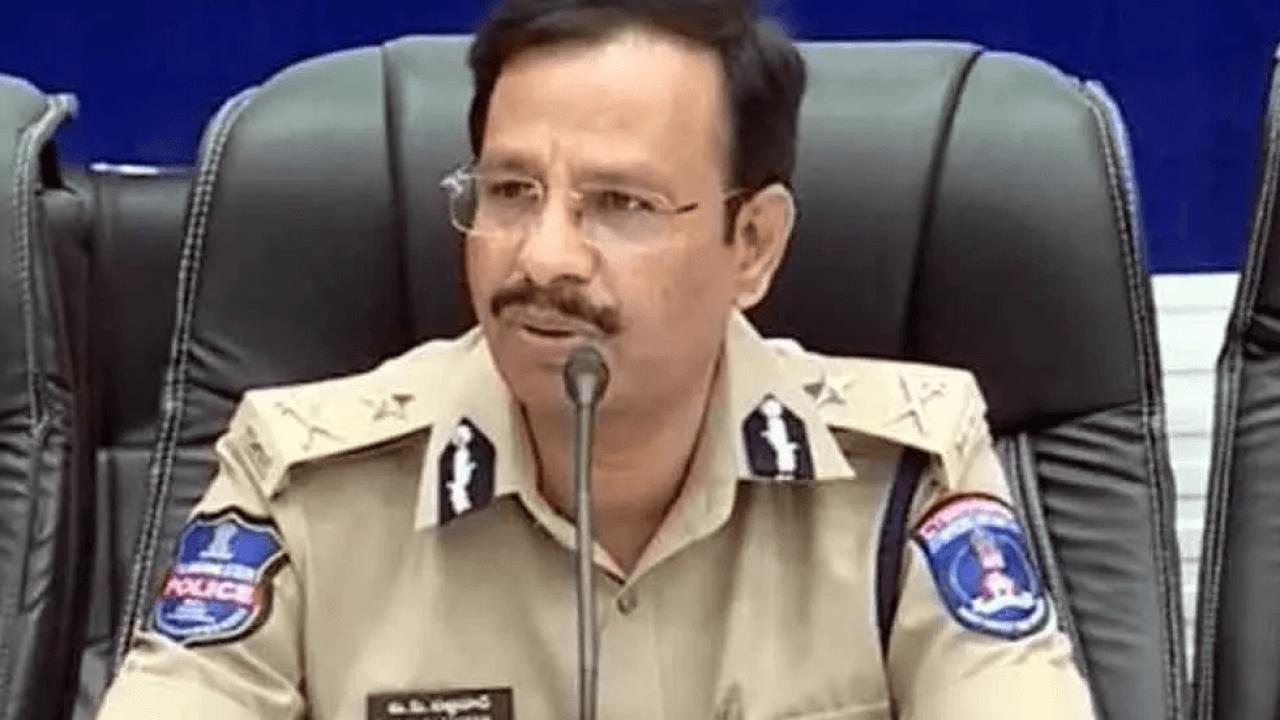 Cyberabad Police Commissioner Sajjanar takes vaccine jab