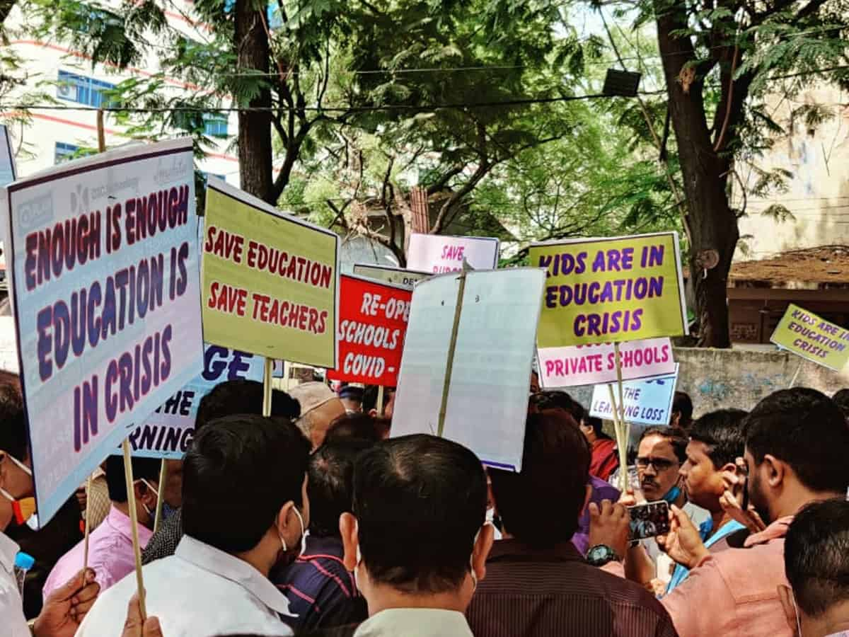 Hyderabad: Pvt schools protest against closure, demand reopening