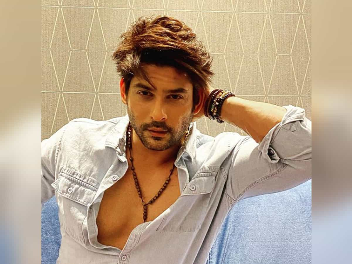 'Please be kind': Sidharth Shukla has request for teachers who correct exam papers