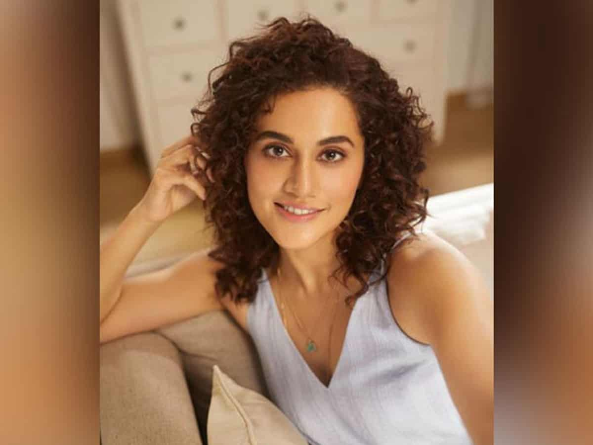 Taapsee recalls working with 'mad man' Sujoy Ghosh