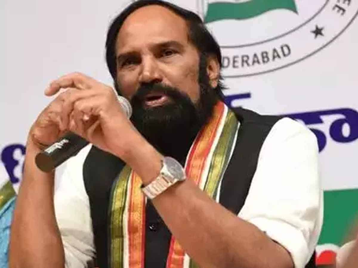 Uttam questions TRS, BJP leaders' silence on unemployment issue