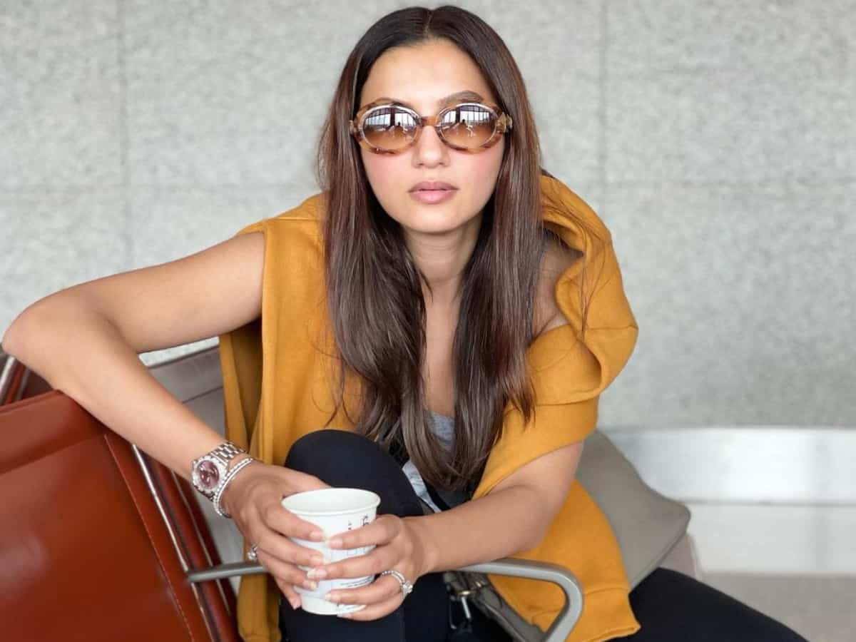 FIR against Gauahar Khan for shooting after testing positive for COVID-19