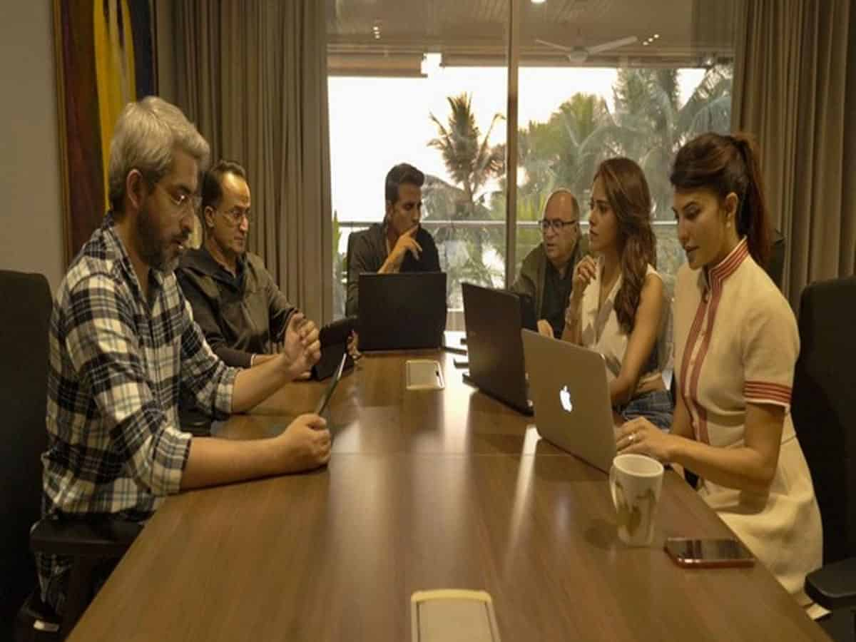 Akshay shares glimpse from 'Ram Setu' script reading session with Jacqueline, Nushrat