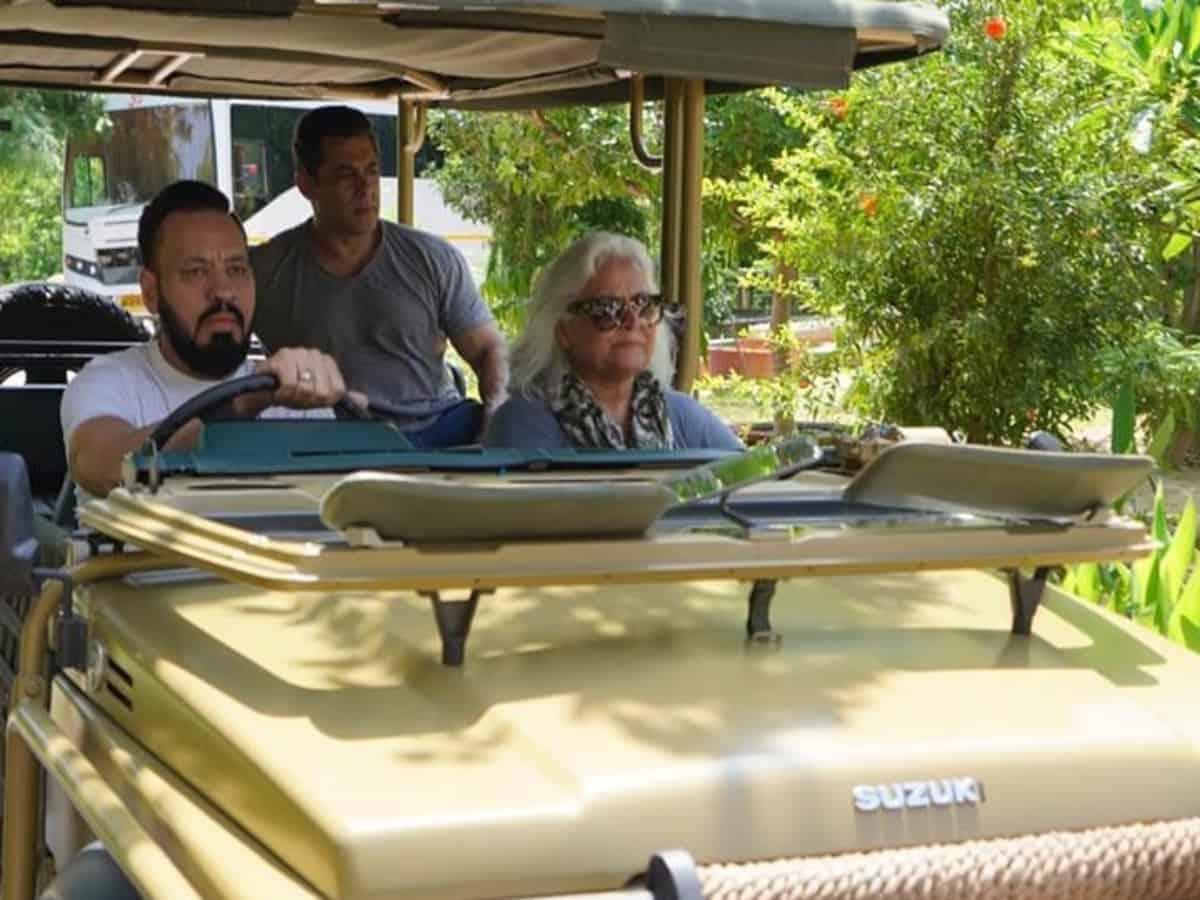 Salman Khan enjoys jungle safari with bodyguard Shera and Bina Kak