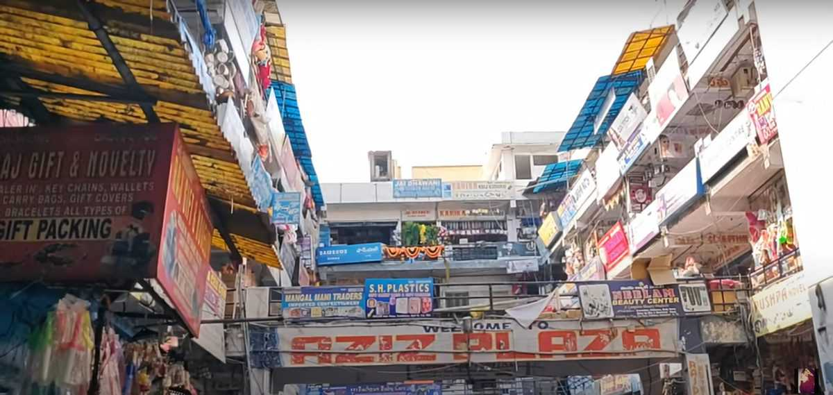 COVID-19: Begum Bazaar imposes self-restriction, to remain shut after 5pm
