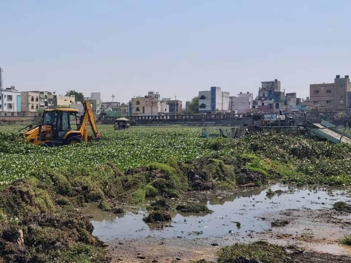 Katora House again turning into garbage dumping ground