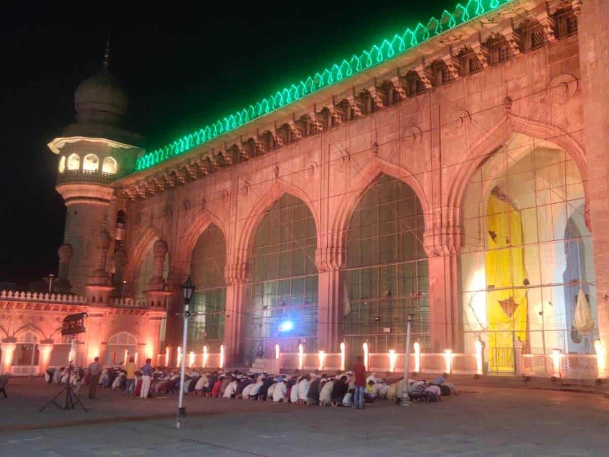 Hyderabad: Taraweeh prayer at Makkah Masjid
