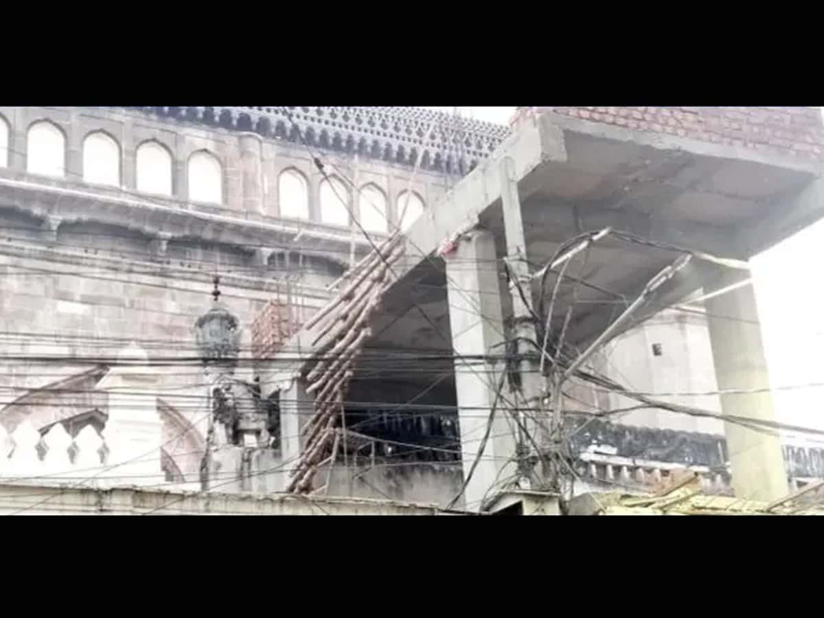 Makkah Masjid damaged; no action taken by government