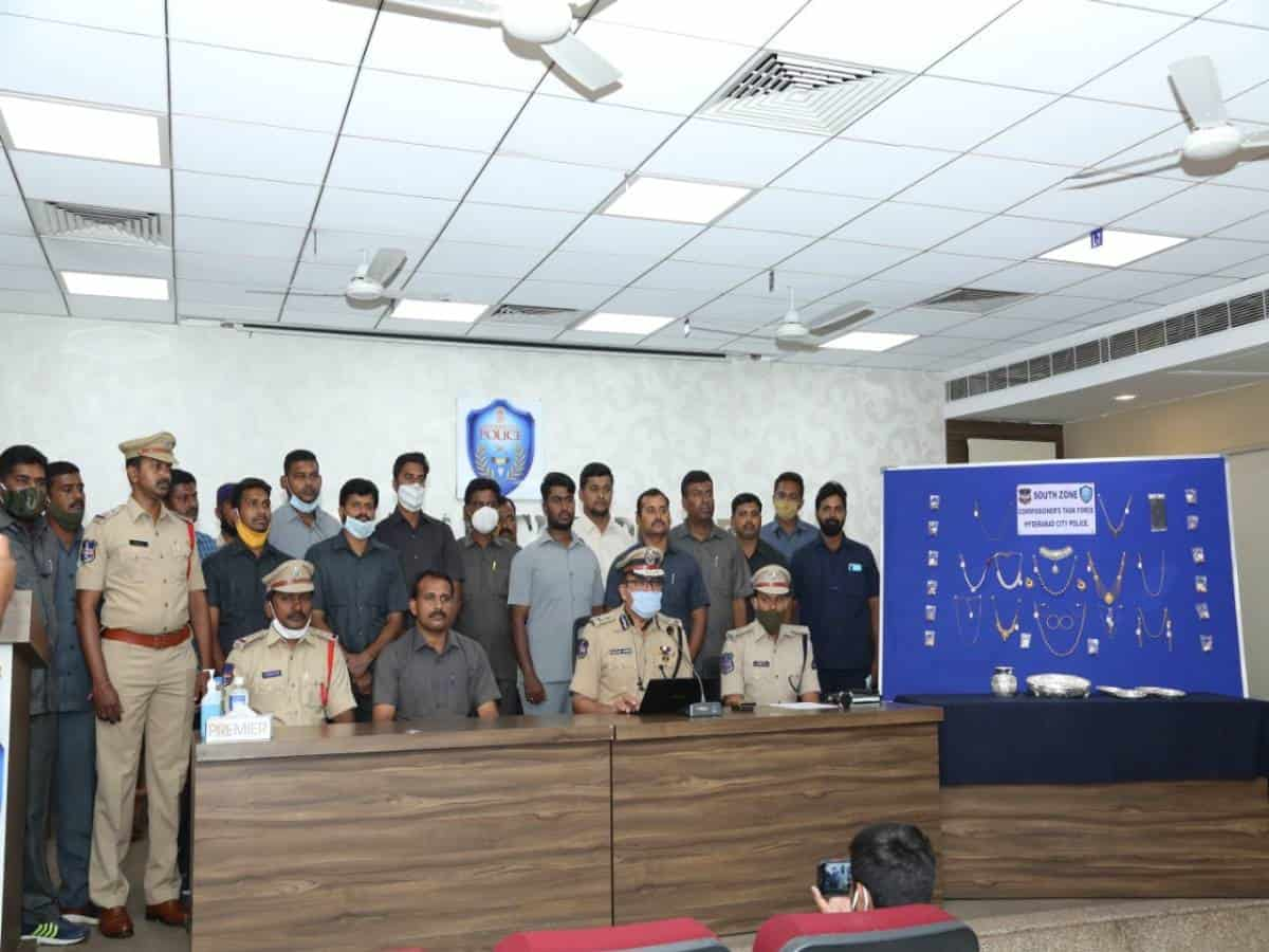 Two burglars held; gold and silver jewelry worth Rs 32 lakh seized
