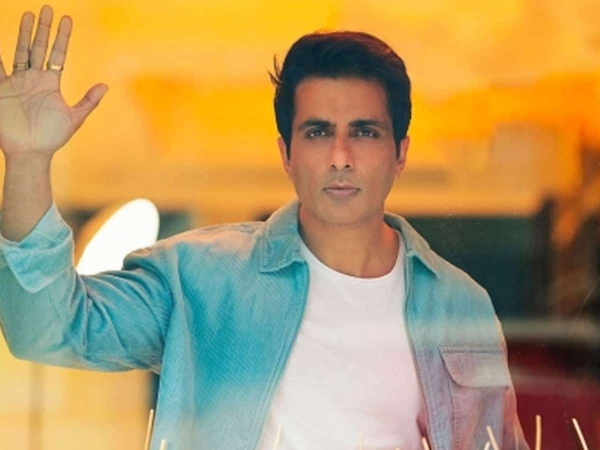 Sonu Sood urges govt to provide free education to children who lost parents in pandemic