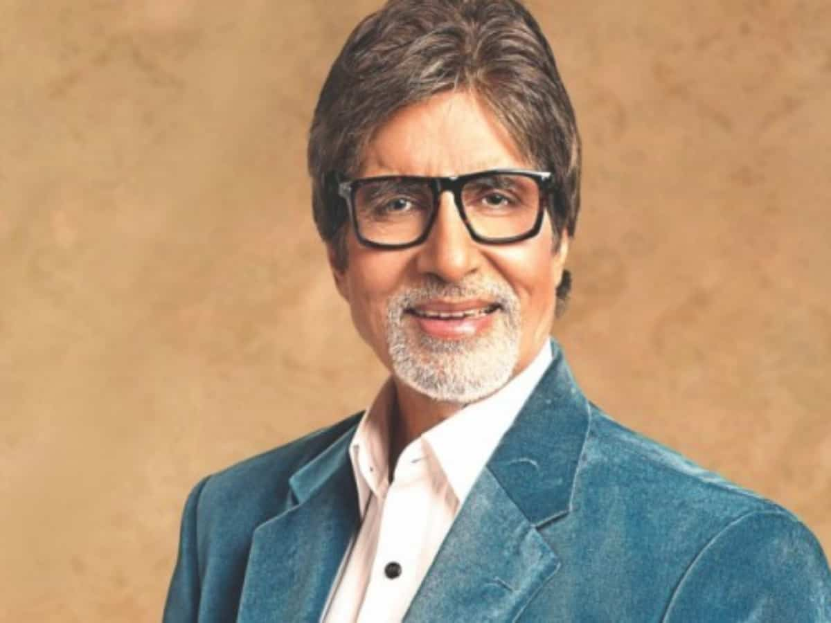Amitabh Bachchan gets first dose of COVID-19 vaccine