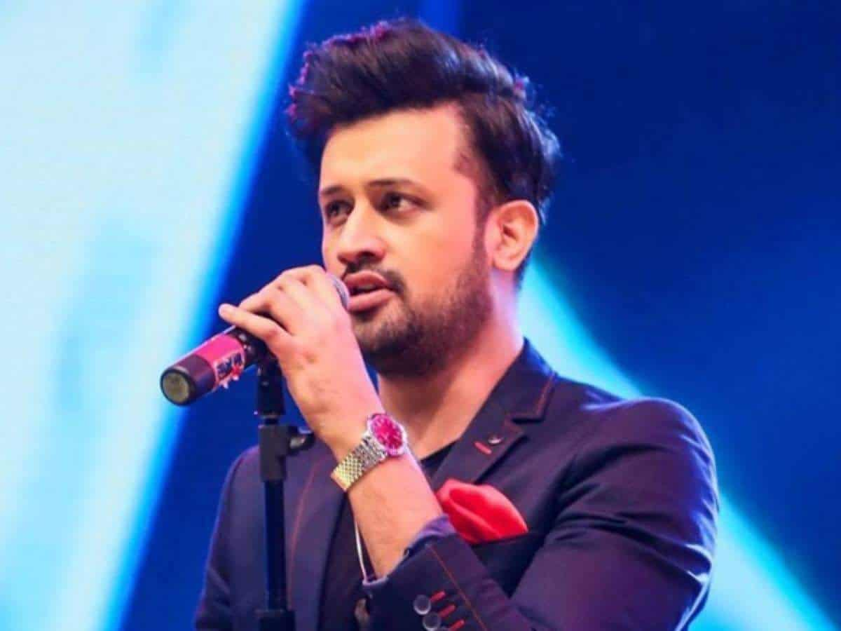Atif Aslam extends his prayers to India amid COVID-19
