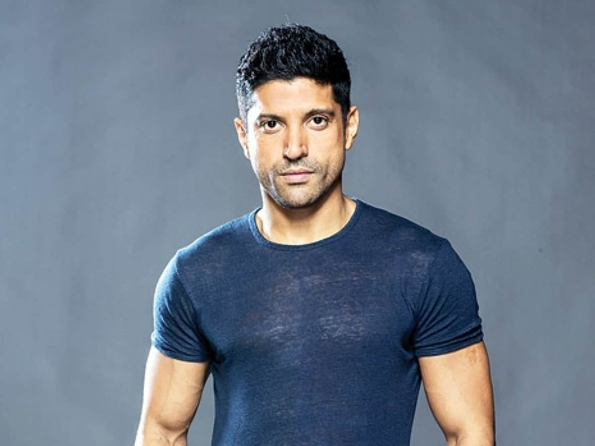 Farhan Akhtar urges people to 'stay home, stay safe'