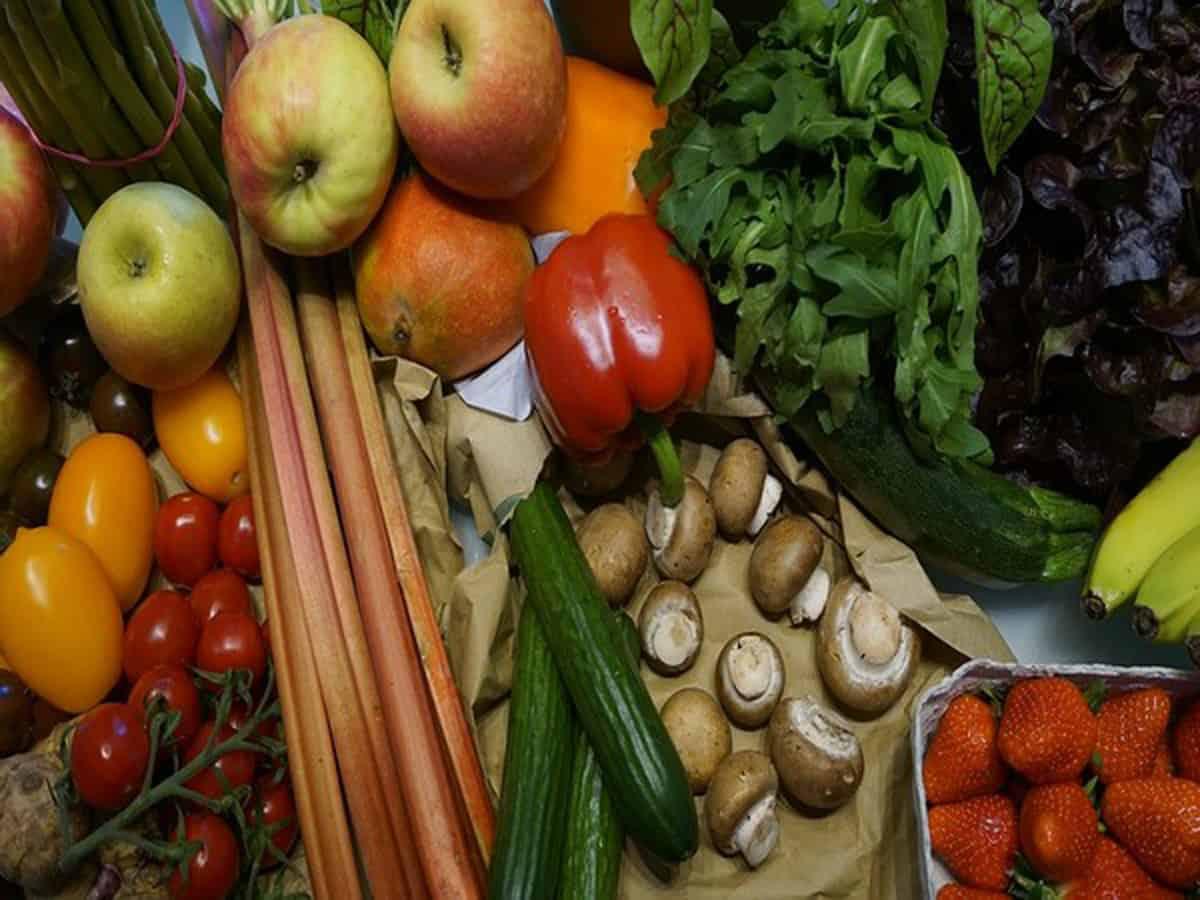 Hyderabad: Fruits become dearer in Ramzan