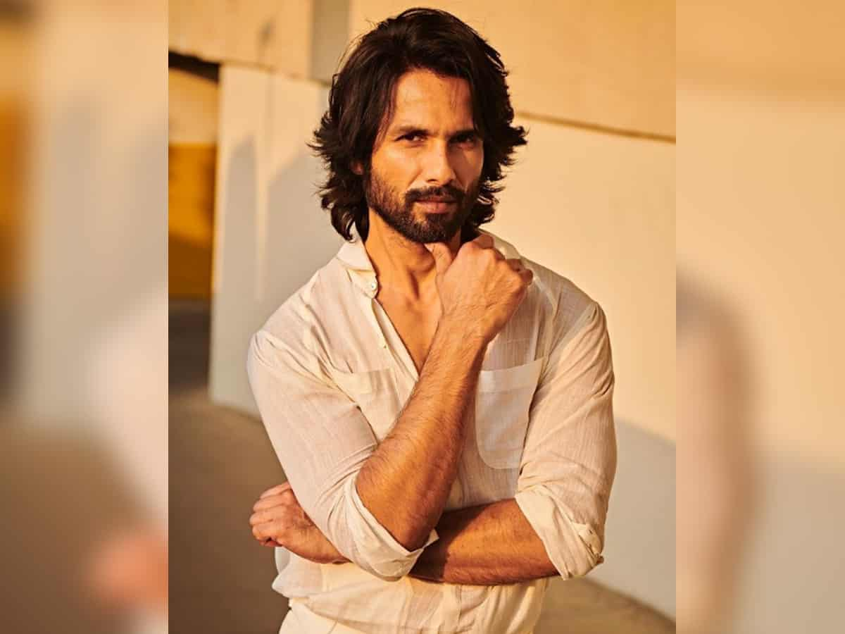Shahid Kapoor beats mid week blues by sharing stunning sunkissed pic