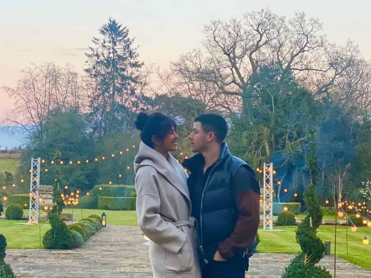 Priyanka Chopra shares loved-up pic with Nick Jonas as she misses him