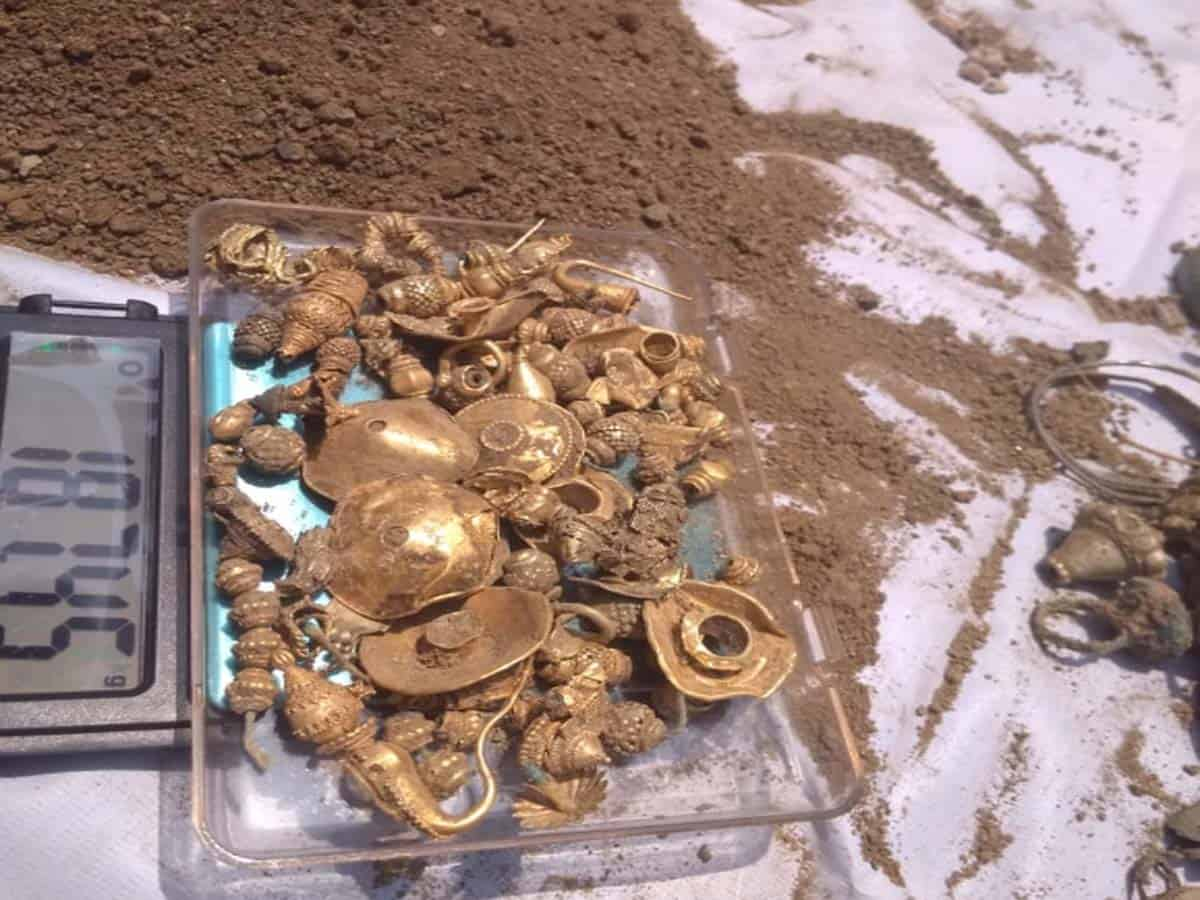 Treasure unearthed in Jangaon, Govt.confiscates