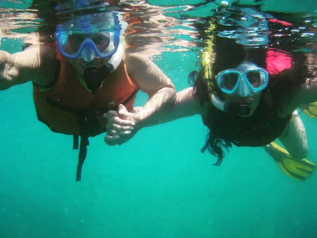 Waheeda Rehman goes snorkeling with daughter at 83, pic goes viral