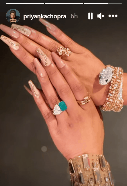 Trending pics: Virat Kohli with ex-gf, Priyanka decks up in diamonds, Deepika-Ranveer twin and more