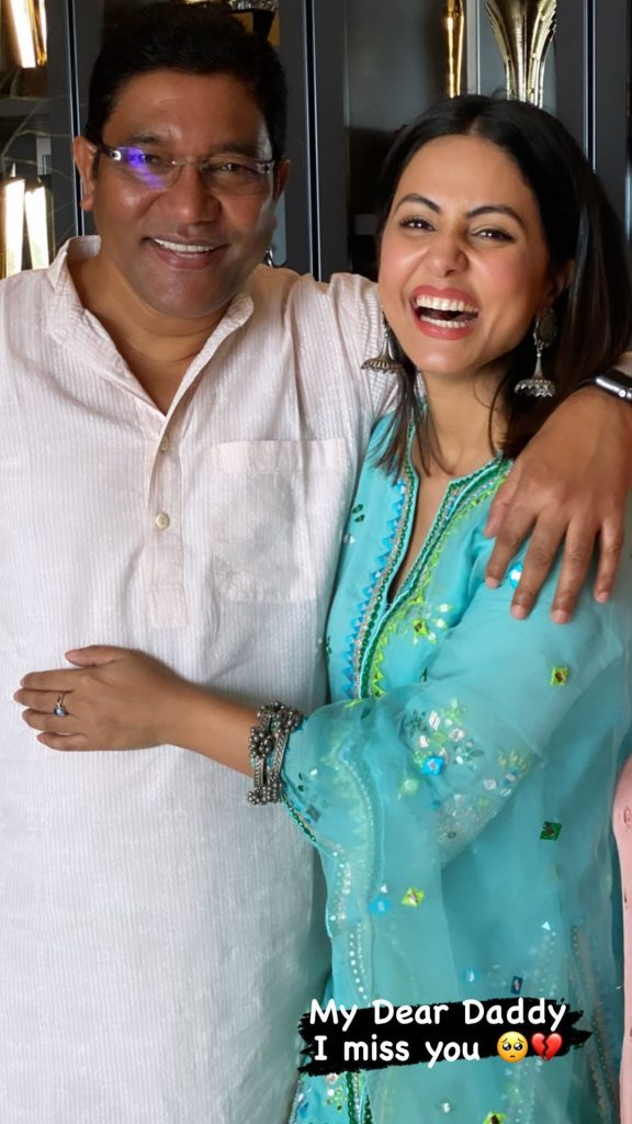 Keep smiling in heaven: Hina Khan remembers father Aslam Khan