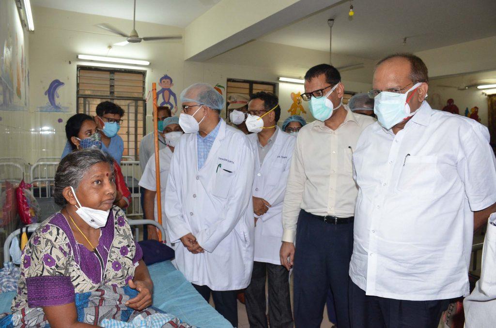 TS CS Somesh Kumar visits black fungus patients at ENT hospital