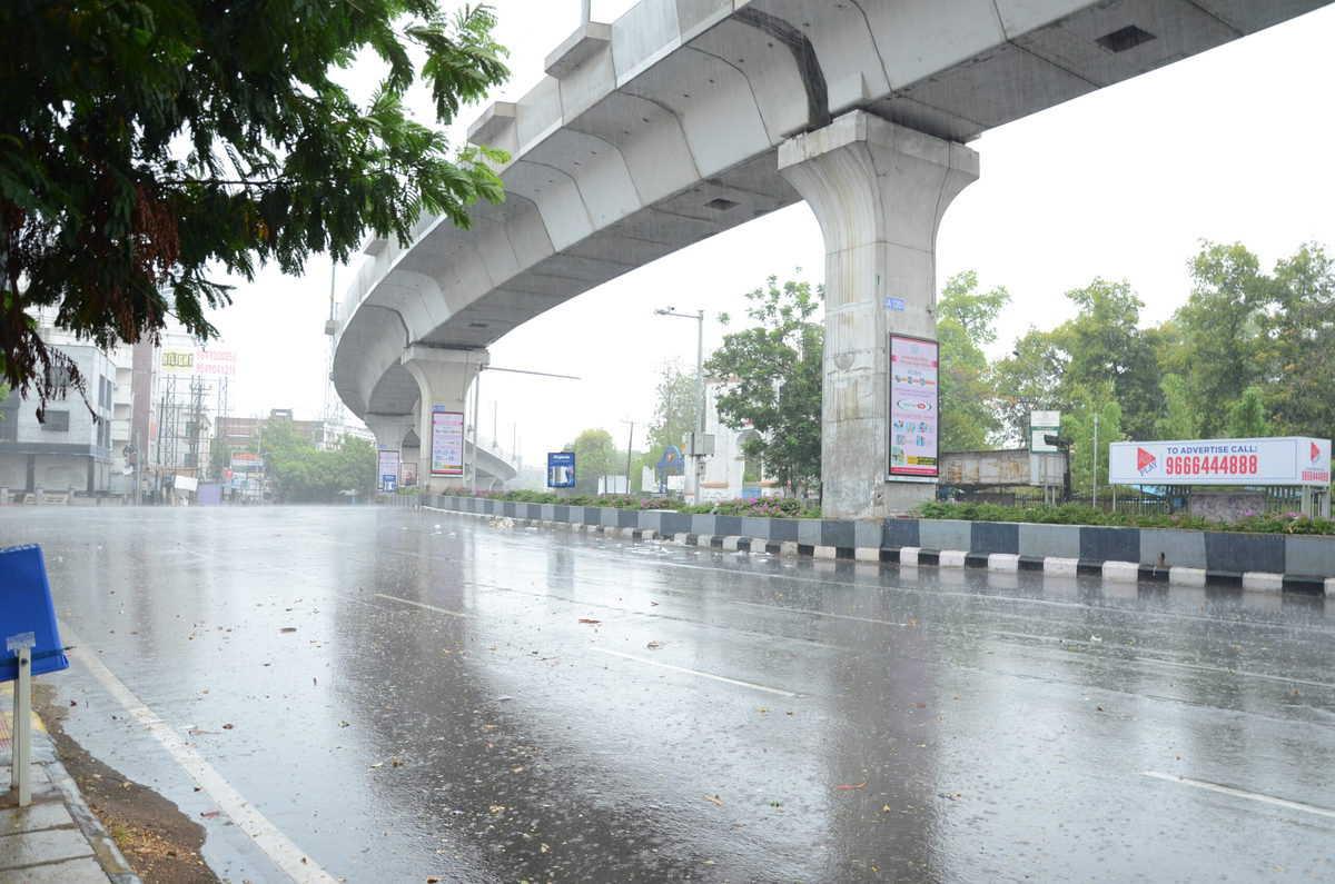 Hyderabad: Rains make weather pleasant