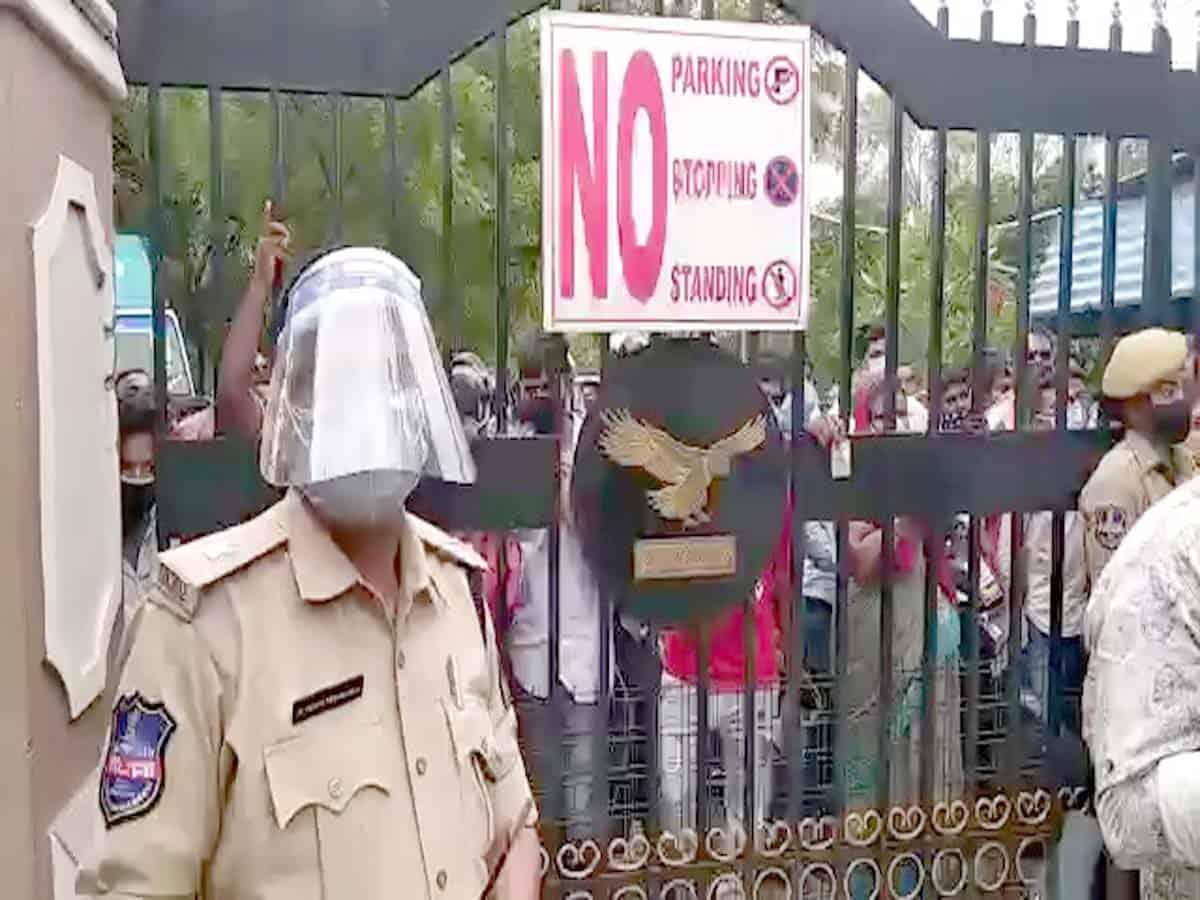 "Hyderabad: Lockdown violators ""Locked-up"" in school"