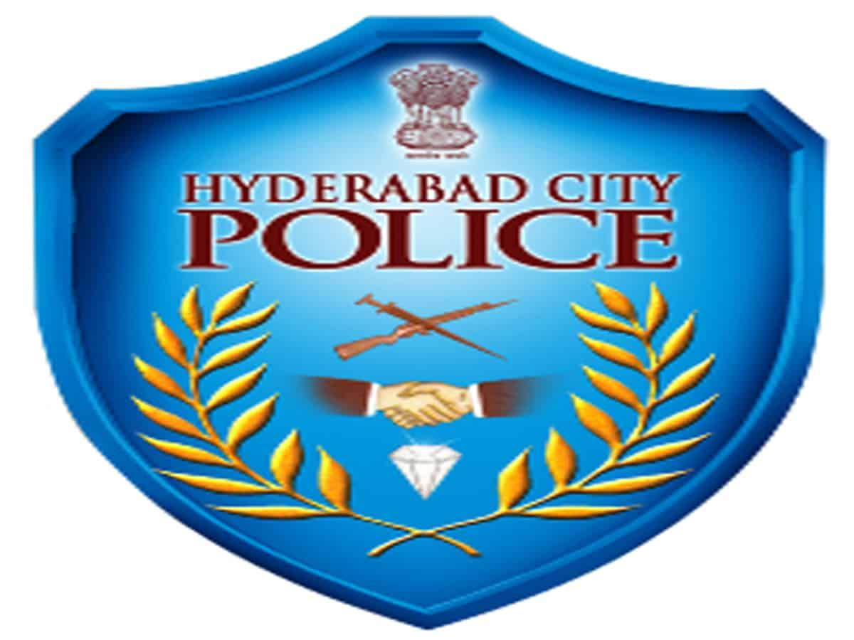 Hyderabad: Cops appreciated for helping pregnant woman reach hospital