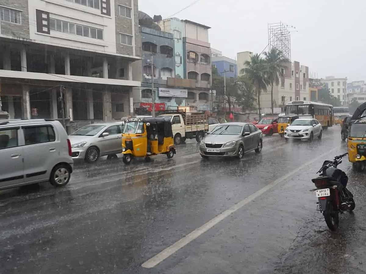 Rain lashes several parts of Hyderabad amid hot spell; IMD issues orange alert