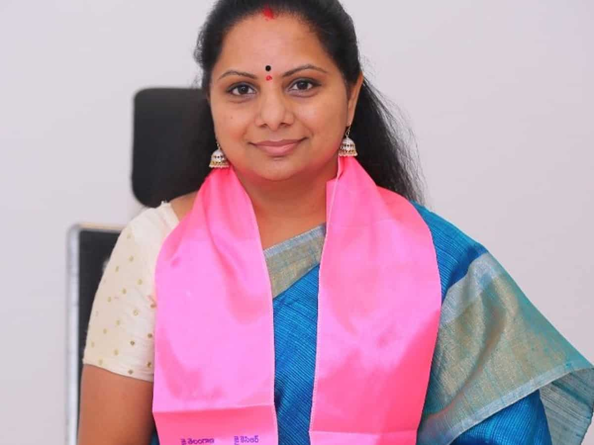 KCR's daughter comes to rescue of pregnant woman