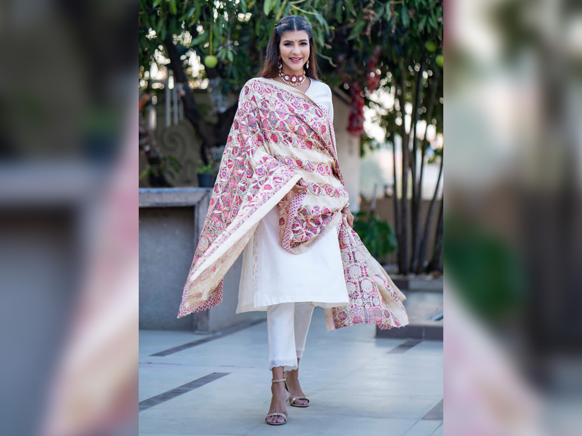 Lakshmi Manchu helping kids who have lost parents to COVID-19