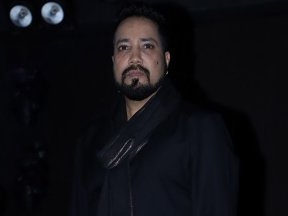 Mika Singh: Get off social media and help people