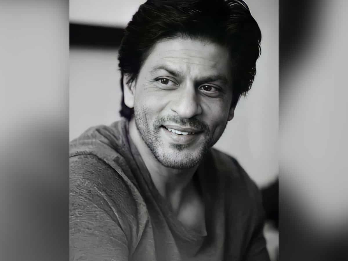 SRK wishes 'Eid Mubarak' to everyone, prays for India to conquer pandemic