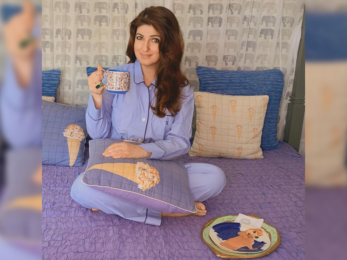 Twinkle Khanna gets makeover from Nitara, says she has no future as make-up artist