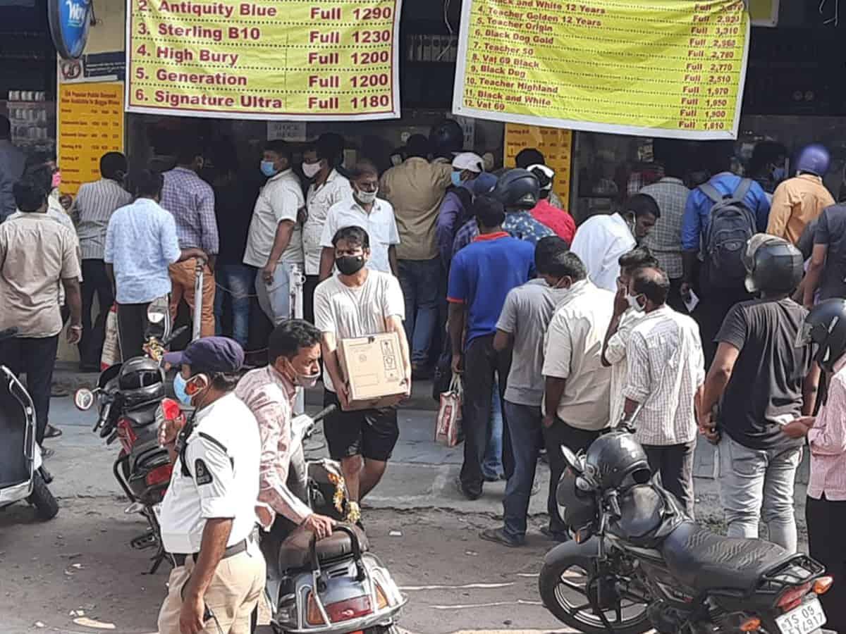 Lockdown effect: Tipplers go for panic buying; liquor shops rake in moolah